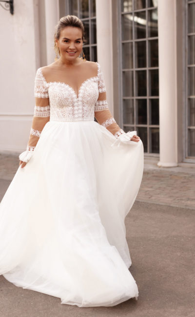 Пышное свадебное платье большого размера с ажурным верхом