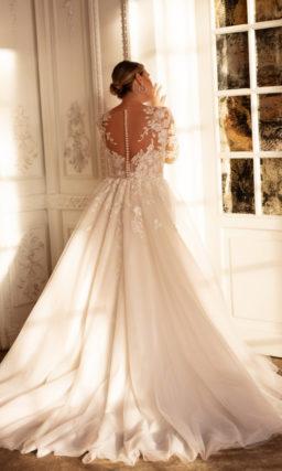 Свадебное платье большого размера в изысканном оттенке айвори
