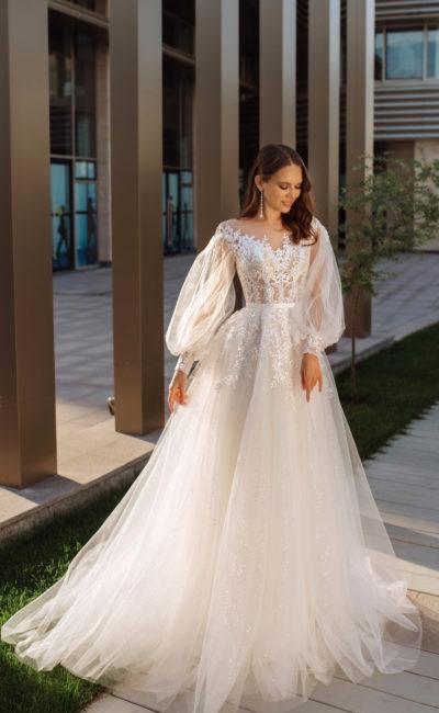 Свадебное платье с объемными легкими рукавами