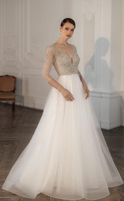 Свадебное платье с многослойной юбкой из шифона