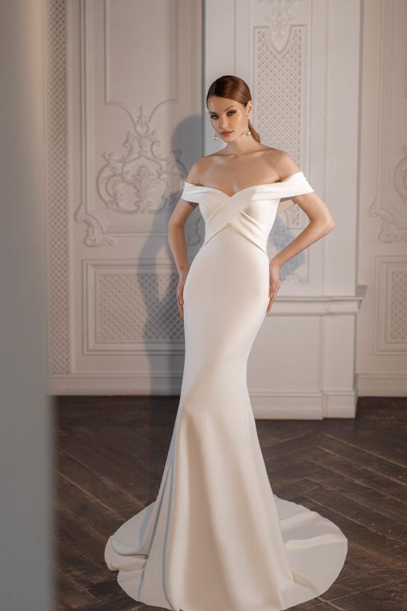 Лаконичное платье рыбка свадебное