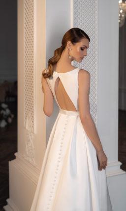 Свадебное платье с необычной юбкой-маллет
