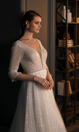 Блестящее фактурное свадебное платье