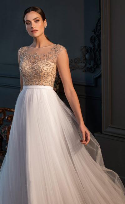 Свадебное платье с атласным корсетом «сердечко»