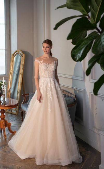Свадебное платье в элегантном А-силуэте