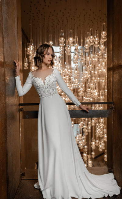 Утонченное свадебное платье