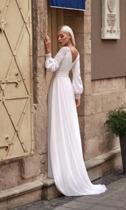 Свадебное платье с длинными объемными рукавами