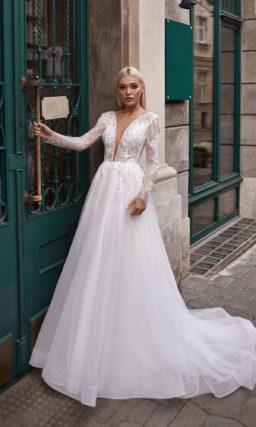 Платье с красивым рукавом свадебное