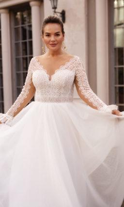 Платье большого размера с кружевным рукавом