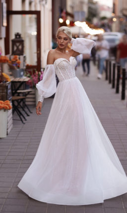 Свадебное платье с декорированным корсетным лифом