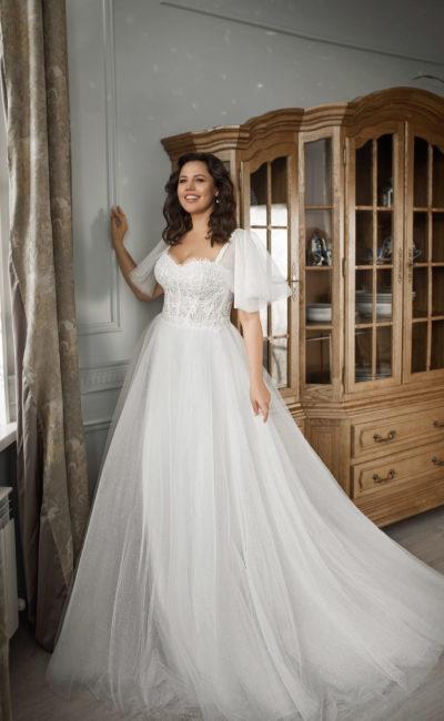 Свадебное платье plus size с рукавами и мерцающей юбкой