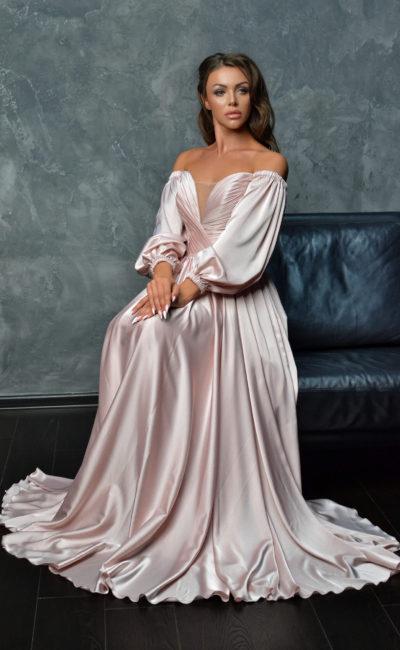 Атласное вечернее платье в пол