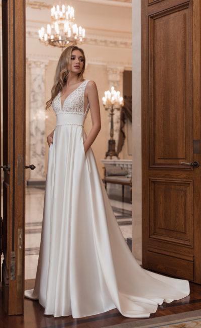 Cвадебное платье с открытой спинкой