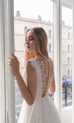 Cвадебное платье с деликатным декором