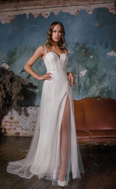 Сверкающее прямое свадебное платье