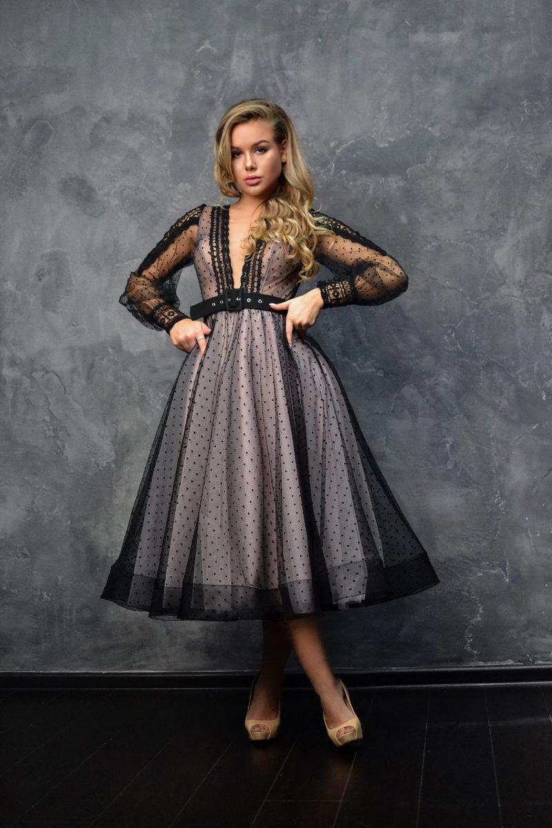Вечернее платье с рукавами-фонариками