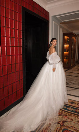 Cвадебное платье с мерцающим декором