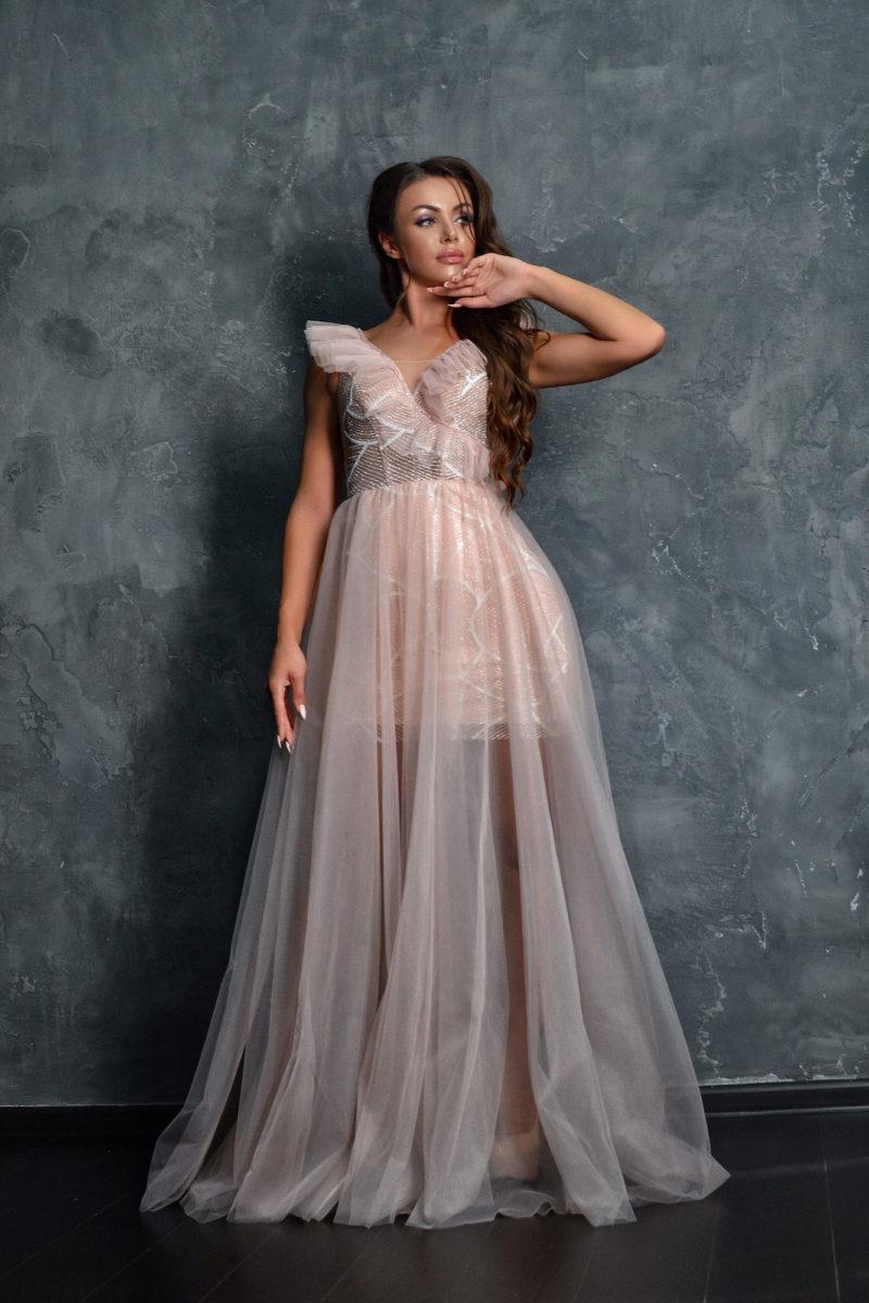 Вечернее платье оттенка пыльной розы