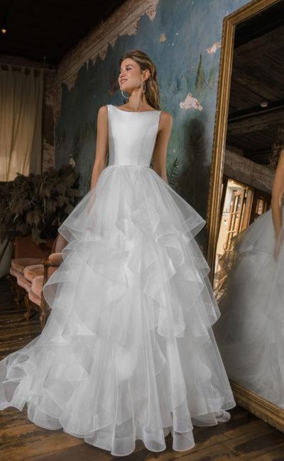 Свадебное платье с атласным лифом