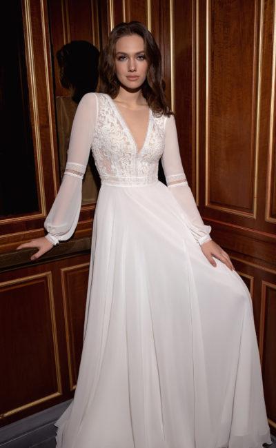 закрытое свадебное платье в стиле этно