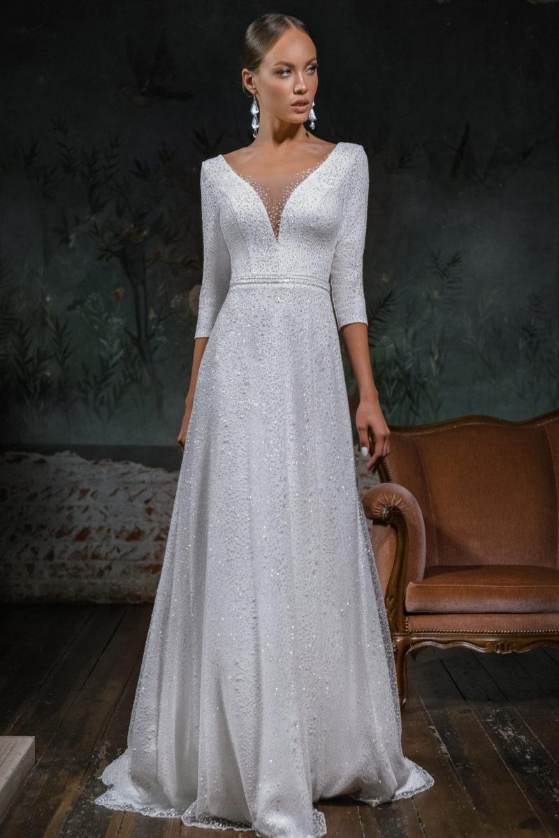Свадебное платье простого А-образного кроя