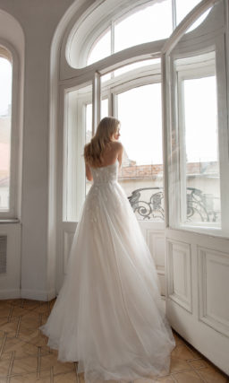 Cвадебное платье с корсетом