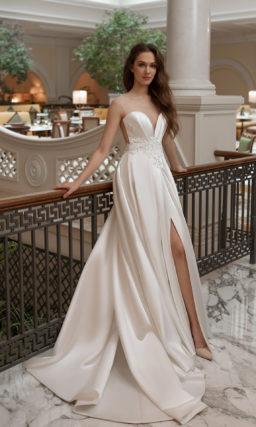 Cвадебное платье из атласа