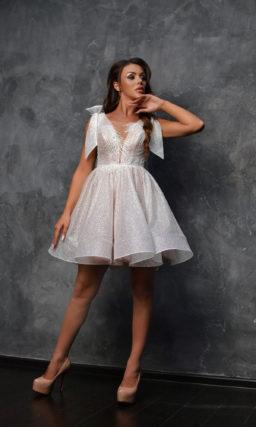 Вечернее платье бэби-долл зефирно-розового оттенка