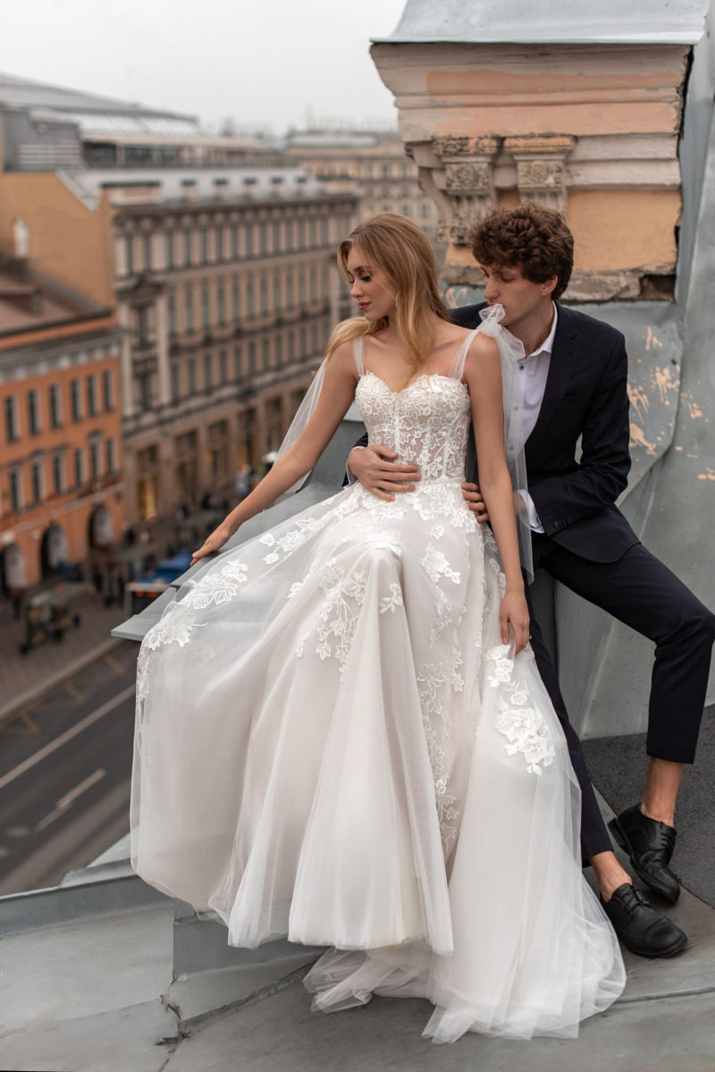 Cвадебное платье с ажурным корсетом