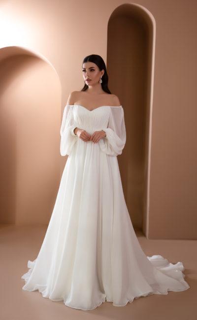Свадебное платье из шелка слоновой кости