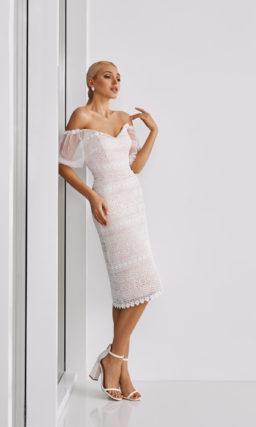 Свадебное платье прямого кроя длиной до колен