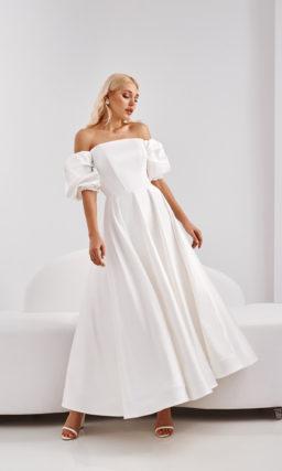 Свадебное платье из молочного атласа