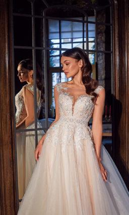 Пышное свадебное платье с розовым оттенком