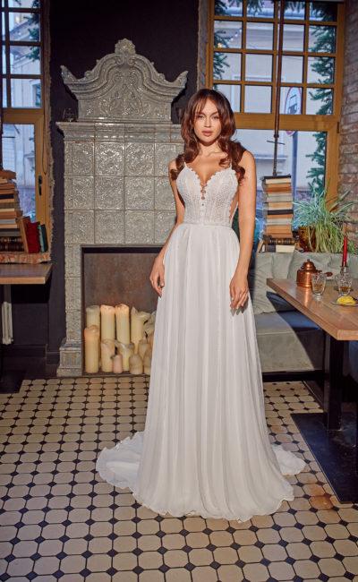 Летнее свадебное платье прямого кроя