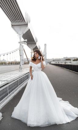 Пышное красивое белое платье