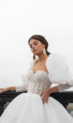 Свадебное платье с пышным рукавом