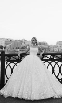 Торжественное пышное свадебное платье