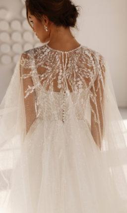 свадебное платье с вышивкой на лифе