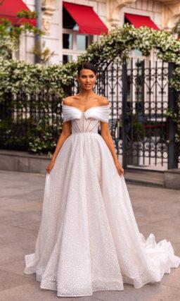 Пышное необычное свадебное платье