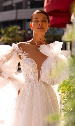 Платье свадебное с объемными рукавами