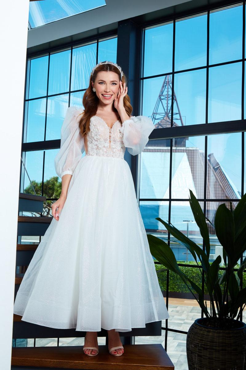 Короткое свадебное платье миди длины