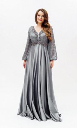 Серое блестящее платье с рукавами