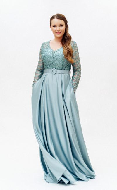 Голубое платье с рукавами и карманами