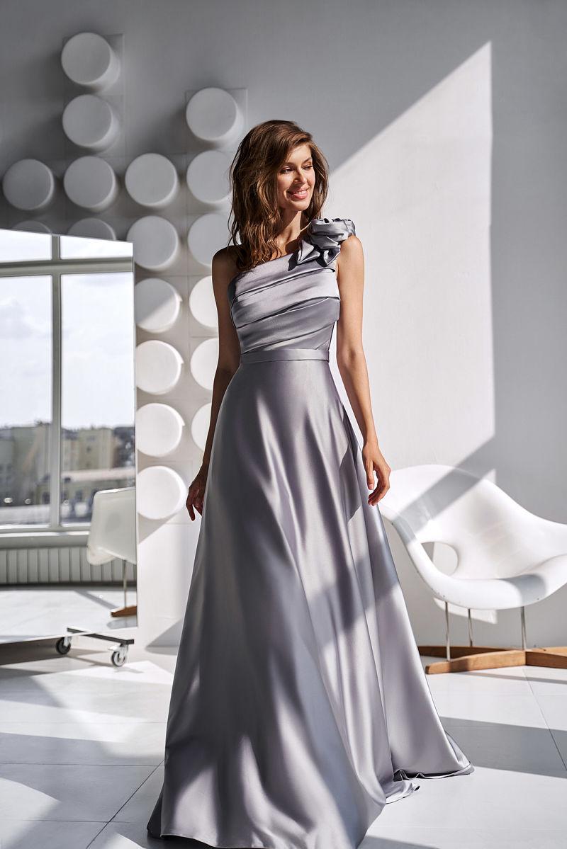 Серое платье в пол