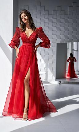 Красное платье с короткими пышными рукавами