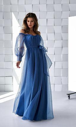 Синее длинное платье с модным рукавом