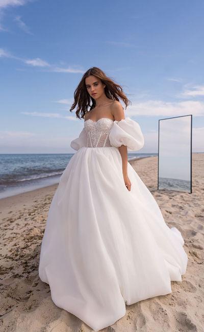 Свадебное платье со съемными пышными рукавами