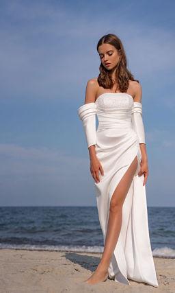 Платье со съемным рукавом