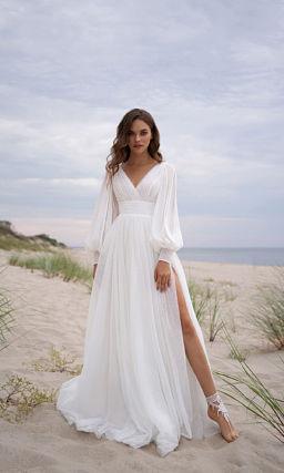 Свадебное платье с широким длинным рукавом